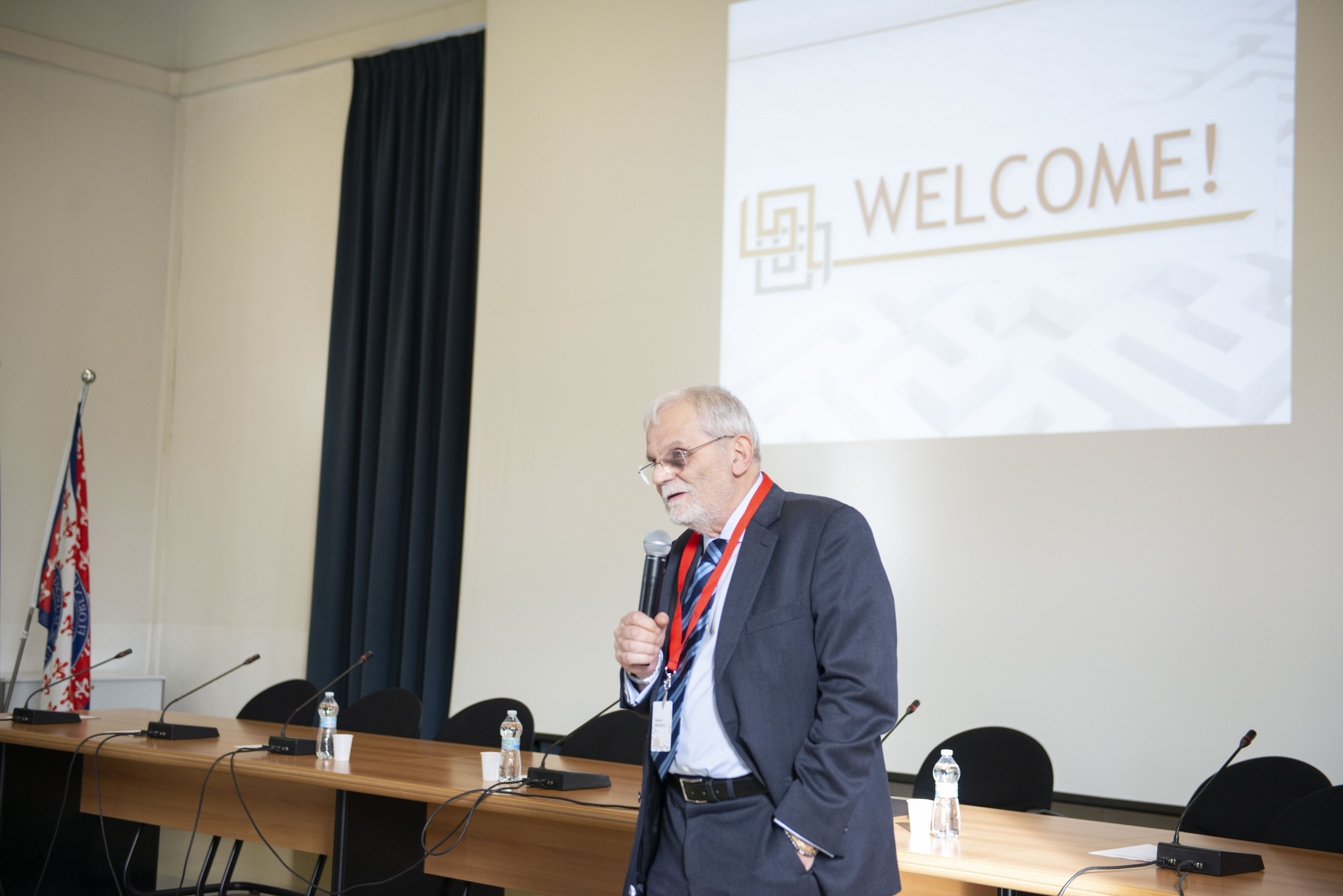 Franco Niccolucci during presentation in Prato